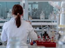 Ingeniero Químico. Cuanto gana un ingeniero Químico y que hace. En este artículo te compartimos cuales son las labores de un egresado en Ingeniería Química y cual es su sueldo promedio.