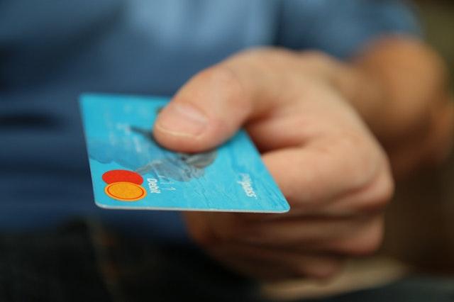 PAYEER es un sistema de pago del mismo estilo que PayPal, Neteller o Skrill con el que se realiza transacciones online (pagar o recibir dinero).